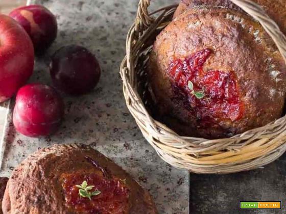 Torta con grano saraceno ripiena di frutta