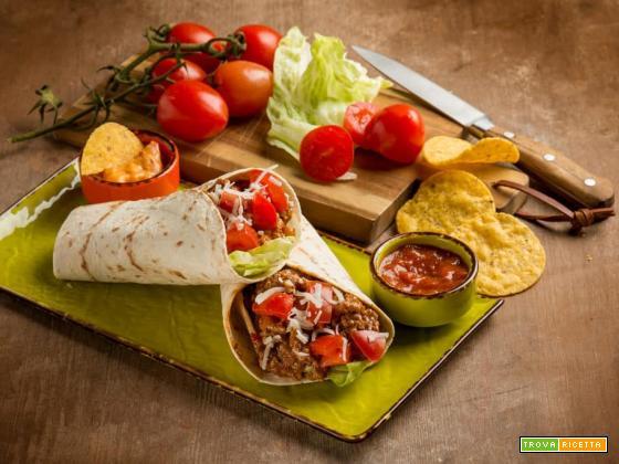 Cena tra amici alla Tex-Mex con i burritos di pollo