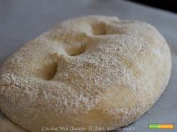 Pane con tutta farina di farro e lievito madre