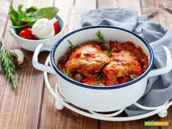 Pollo in umido al pomodoro e olive