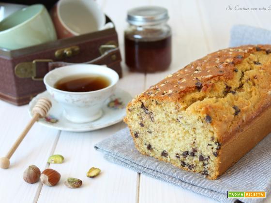 Plumcake al miele con pistacchio nocciole e cioccolato