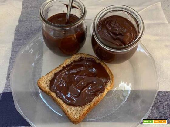 Crema alla nocciola senza zucchero (nutella light)