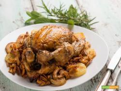 Pollo al forno con patate e finferli per festeggiare i nonni
