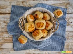 Panini di carote e grano saraceno