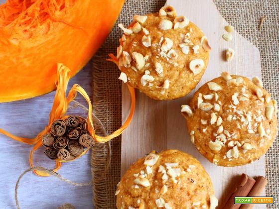 Muffin con zucca e nocciole