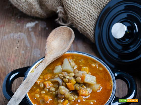 Zuppa di lenticchie e patate al curry