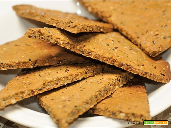 Triangoli croccanti ai semi vari senza glutine