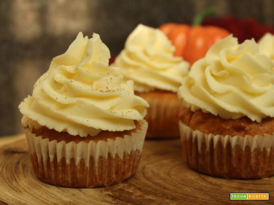 Cupcake alle carote con frosting al mascarpone