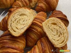Croissant, cornetti sfogliati, senza uova, con Companion Moulinex