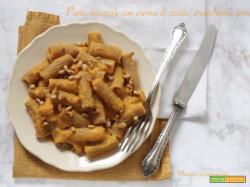 Pasta integrale con crema di zucca, stracchino e pinoli