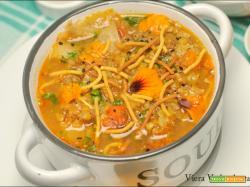 Zuppa piccante con lentichie e grano saraceno