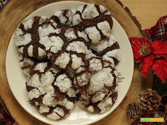 Crinkle Cookies: biscotti morbidi al cioccolato