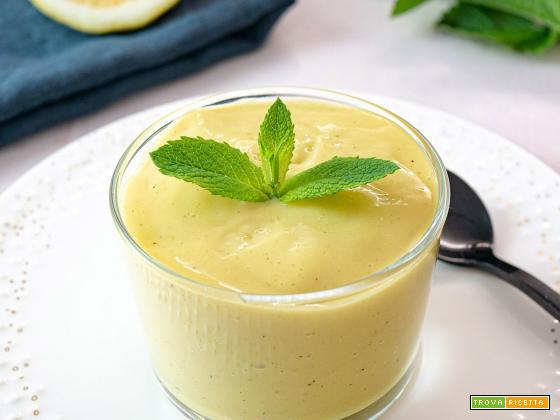Crema pasticcera vegana con aroma di limone e vaniglia