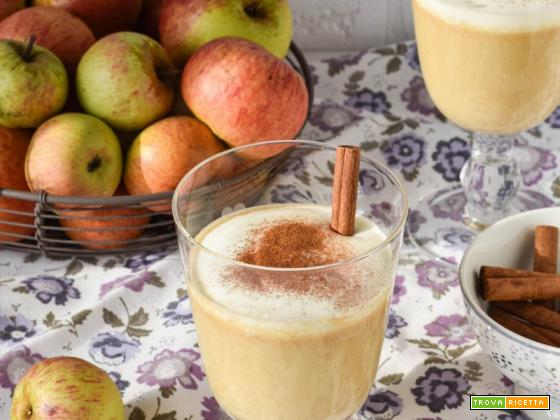 Smoothie alle mele caramellate e cannella