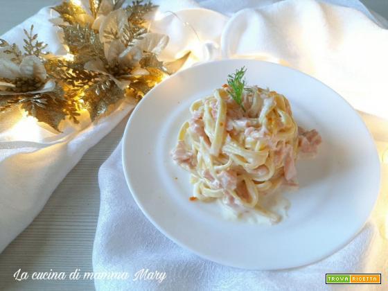 Tagliolini al salmone e arancia