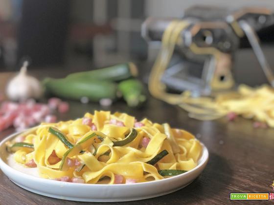 Pasta cremosa ZUCCHINE e PANCETTA