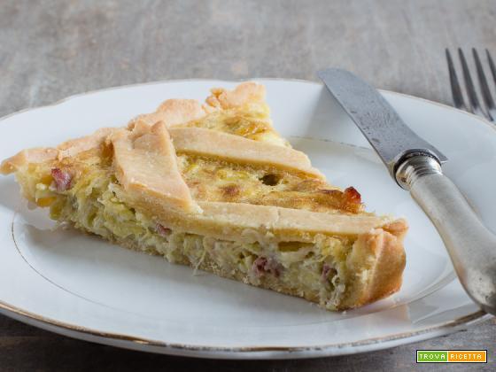 Crostata salata con porri, pancetta e crème fraîche