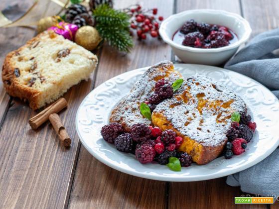 French toast di panettone con frutti di bosco