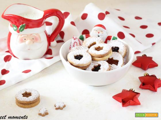 Biscotti occhi di bue natalizi