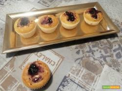 Muffin con confettura di frutti di bosco