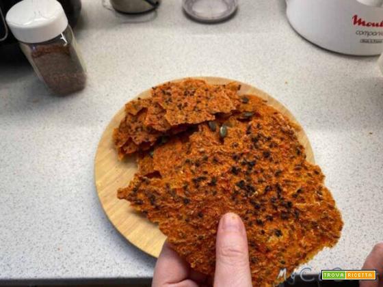 Crackers, sfoglie croccanti con peperoni, cipolla e pomodoro con CuCo Moulinex e Biosec