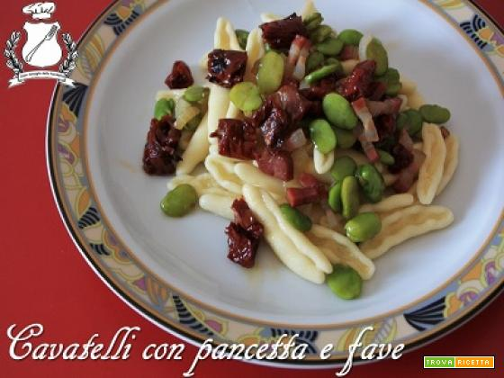 Cavatelli con pancetta, fave e pomodori secchi