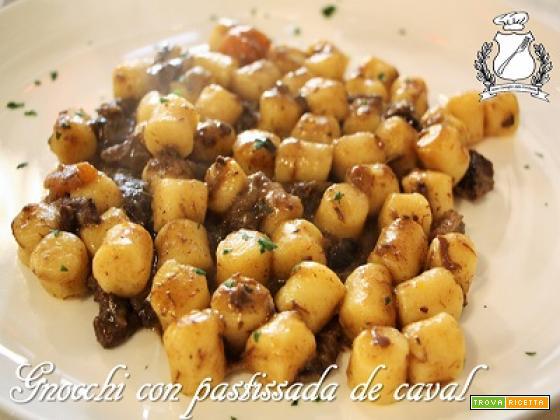 Gnocchi con Pastissada de Caval