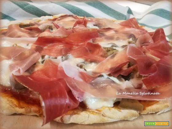 Pizza con funghi stracciatella e speck