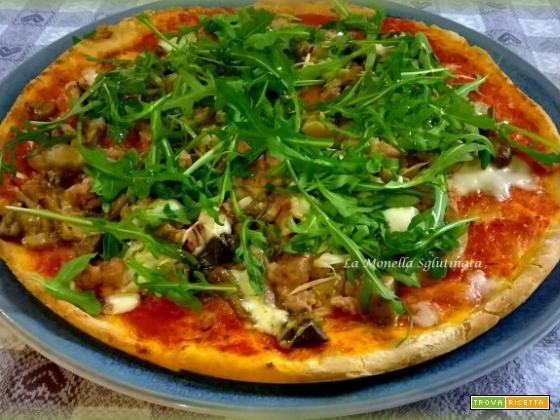 Pizza con salsiccia ,funghi, cipollotti,bufala e rucola