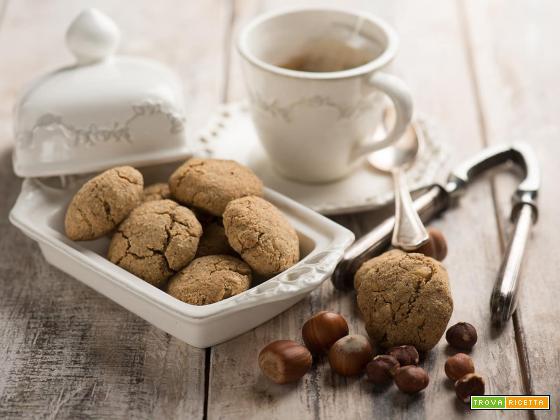 Biscotti con le nocciole e chufa, una merenda esotica