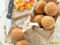 Bombe di pane, cheddar e salame