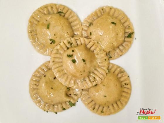 Tortelli alle erbe ripieni di patate e salsiccia