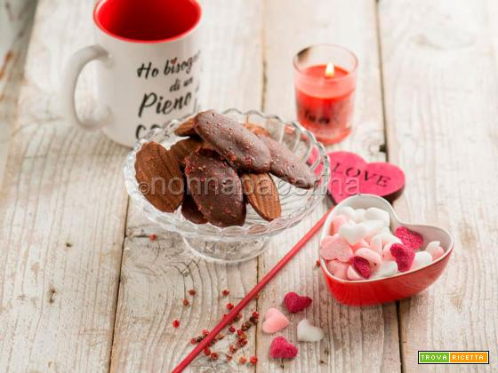 Mini madeleine al pepe rosa e cacao, i dolcetti perfetti per San Valentino