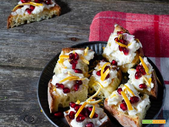 Bruschette gorgonzola e melograno