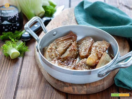 Finocchi in padella con salsa di soia e sesamo