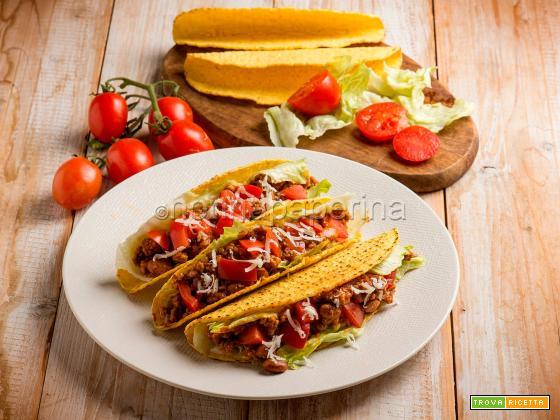 Tacos con chili di carne, un classico messicano