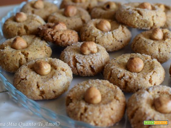 Biscotti alle nocciole senza lattosio
