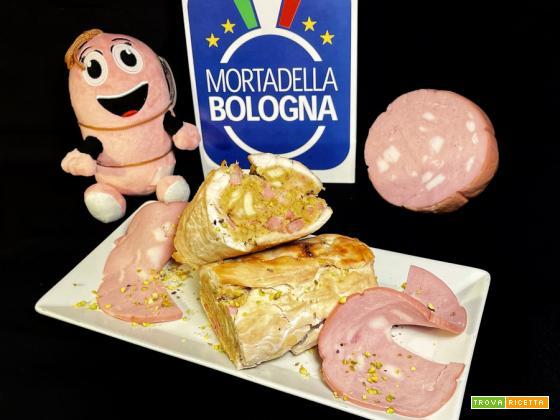 Rotolo di pollo con Mortadella Bologna IGP e pistacchi