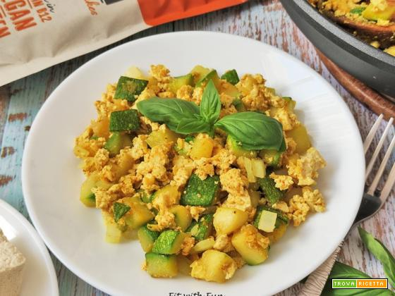 Tofu Strapazzato con Zucchine e Cipolle Vegan e Senza Glutine