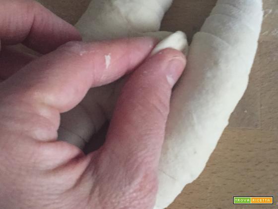 Pane ferrarese fatto in casa - ricetta passo passo