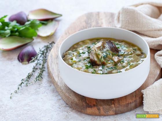 Zuppa di carciofi, orzo e patate