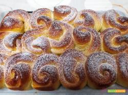 Torta di rose pan brioche