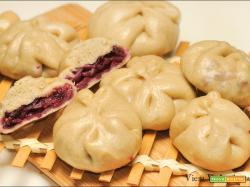 Vegan Char siu bao buns a modo mio con cavolo rosso