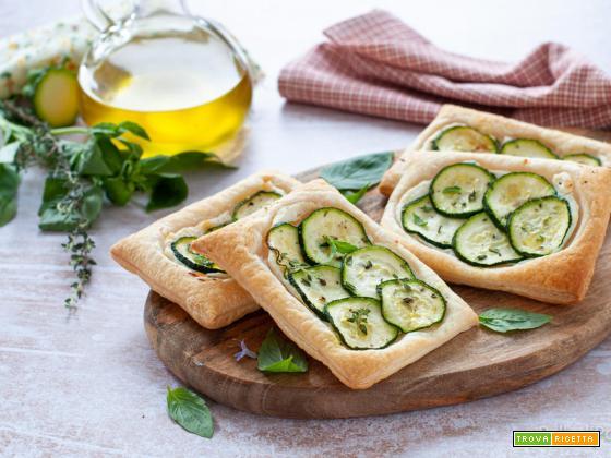 Sfogliatine con zucchine e ricotta