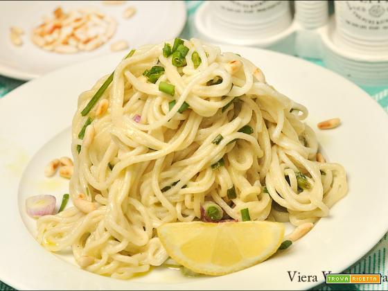 Spaghetti al limone con stigoli e aglio