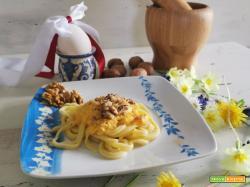 Pasqua con spaghetti alla chitarra, crema di ricotta ai peperoni e noci