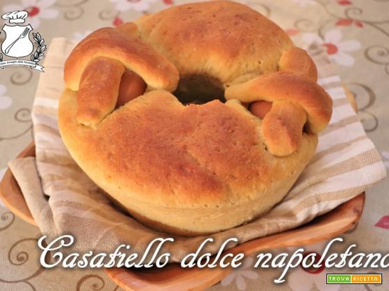 Casatiello dolce tradizionale napoletano