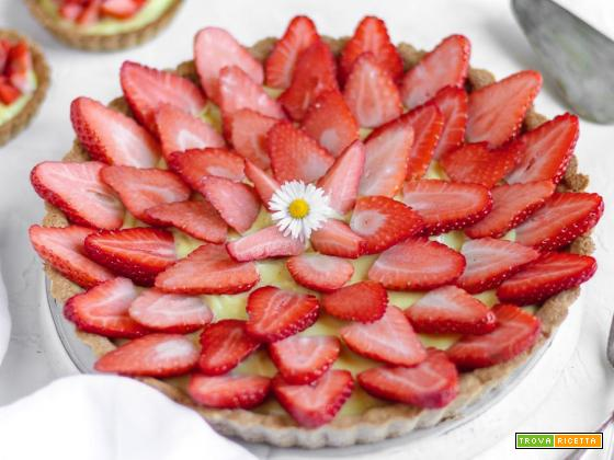 Crostata di fragole fresche vegan