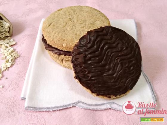Biscotti digestive con copertura al cioccolato