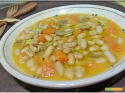 Zuppa di fagioli funghi e zucca